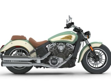 Indian Scout 2018 - Willow Green over Ivory Cream met Gold Pinstripe