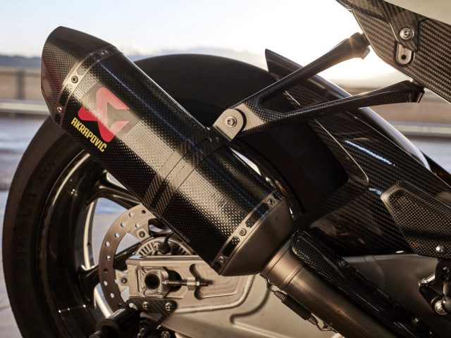 Akrapovic - BMW HP4 Race