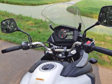 Suzuki V-Stom 650A stuur en dashboard
