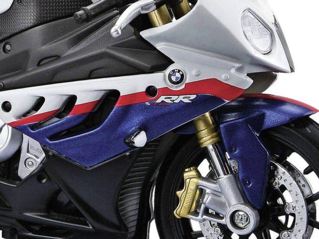 MotorRAI in Miniatuur - BMW S1000RR van Maisto