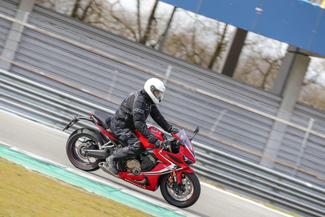 Test - Honda CBR650R