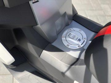 BMW C 400 X 2019 - Motortest MotorRAI.nl